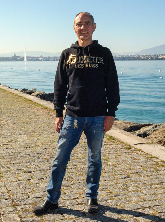 Moniteur auto-école Genève et moniteur Moto école